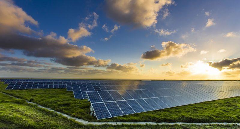 Brasil tem primeiro sistema híbrido em aplicação de irrigação com energia solar